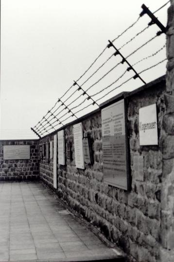 Mauthausen Umfassungsmauer